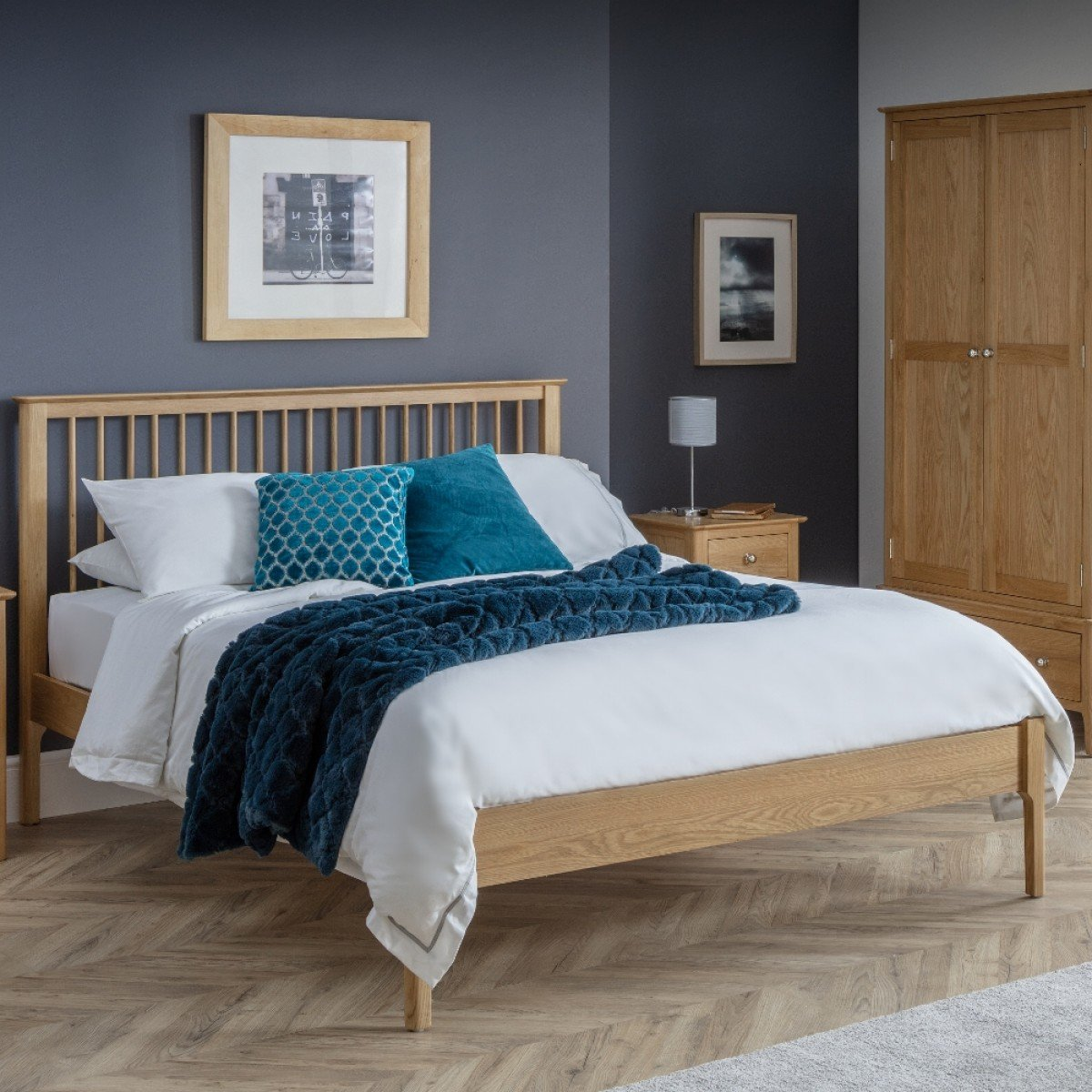Cotswold Oak Wooden Bed