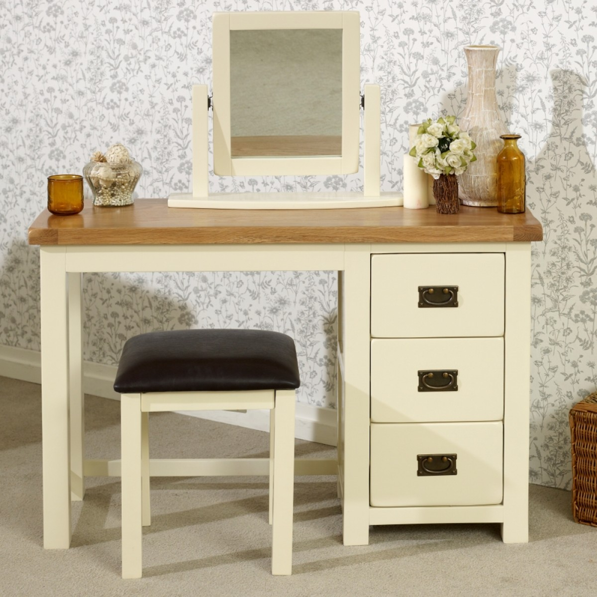 online retailer c747a ee063 New Hampshire Cream and Oak Single Pedestal Dressing Table