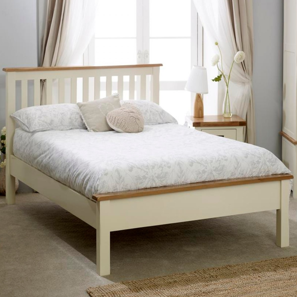New Hampshire Cream and Oak Low Foot End Wooden Bed