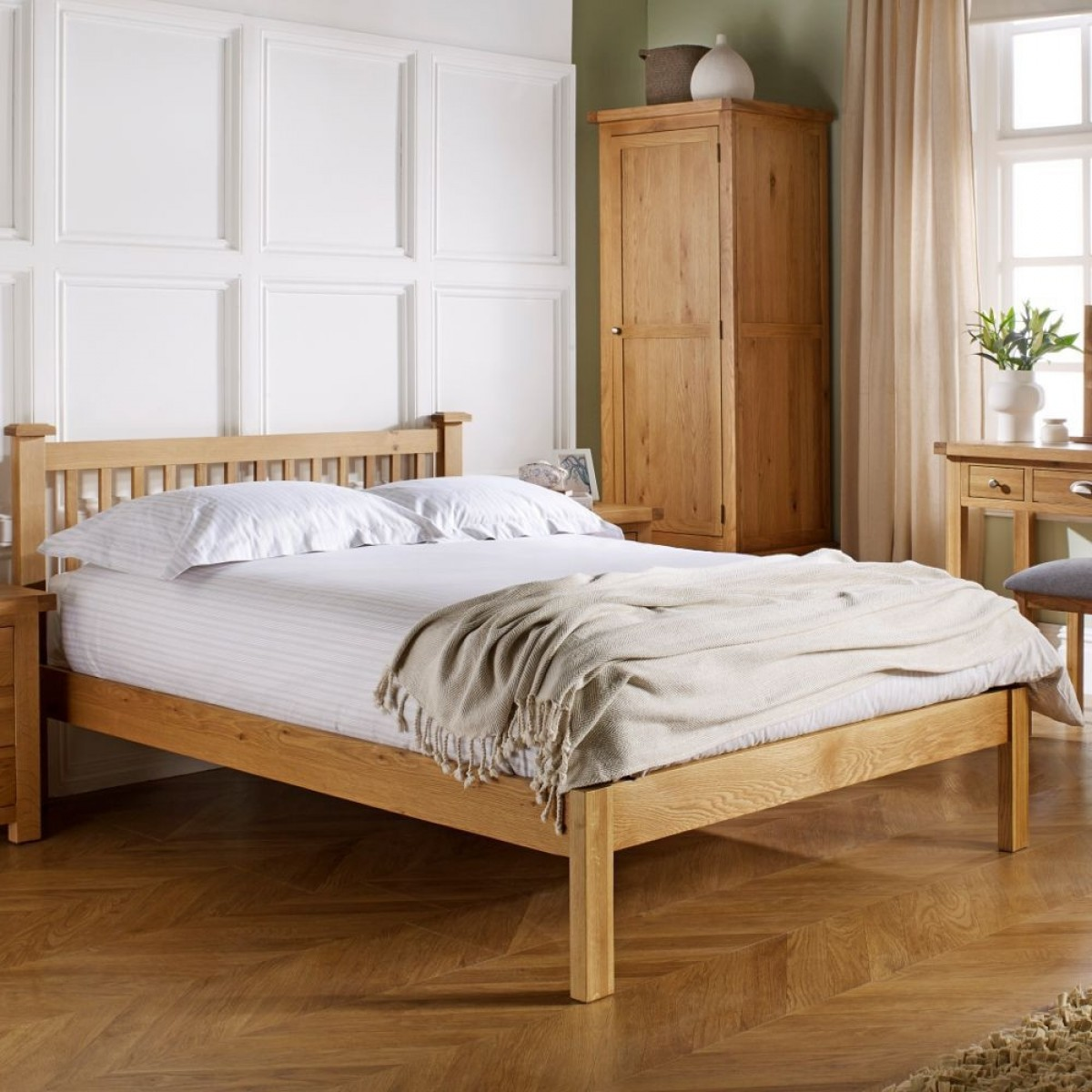 Woburn Oak Wooden Bed