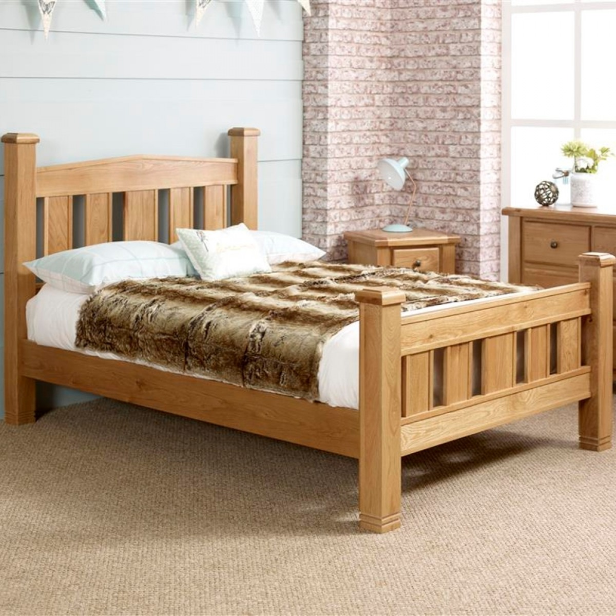 Woodstock Oak Wooden Bed