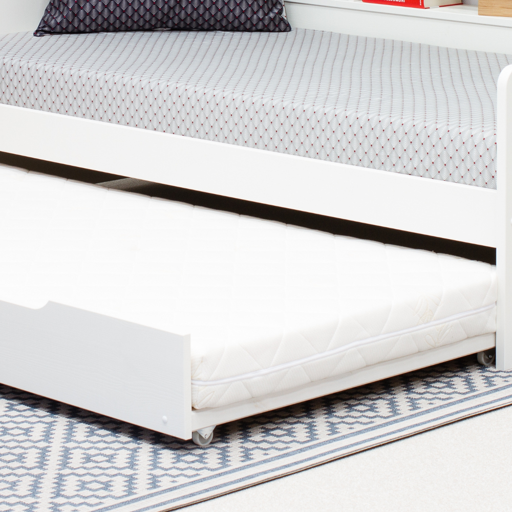 Tyler White Wooden Trundle Guest Bed