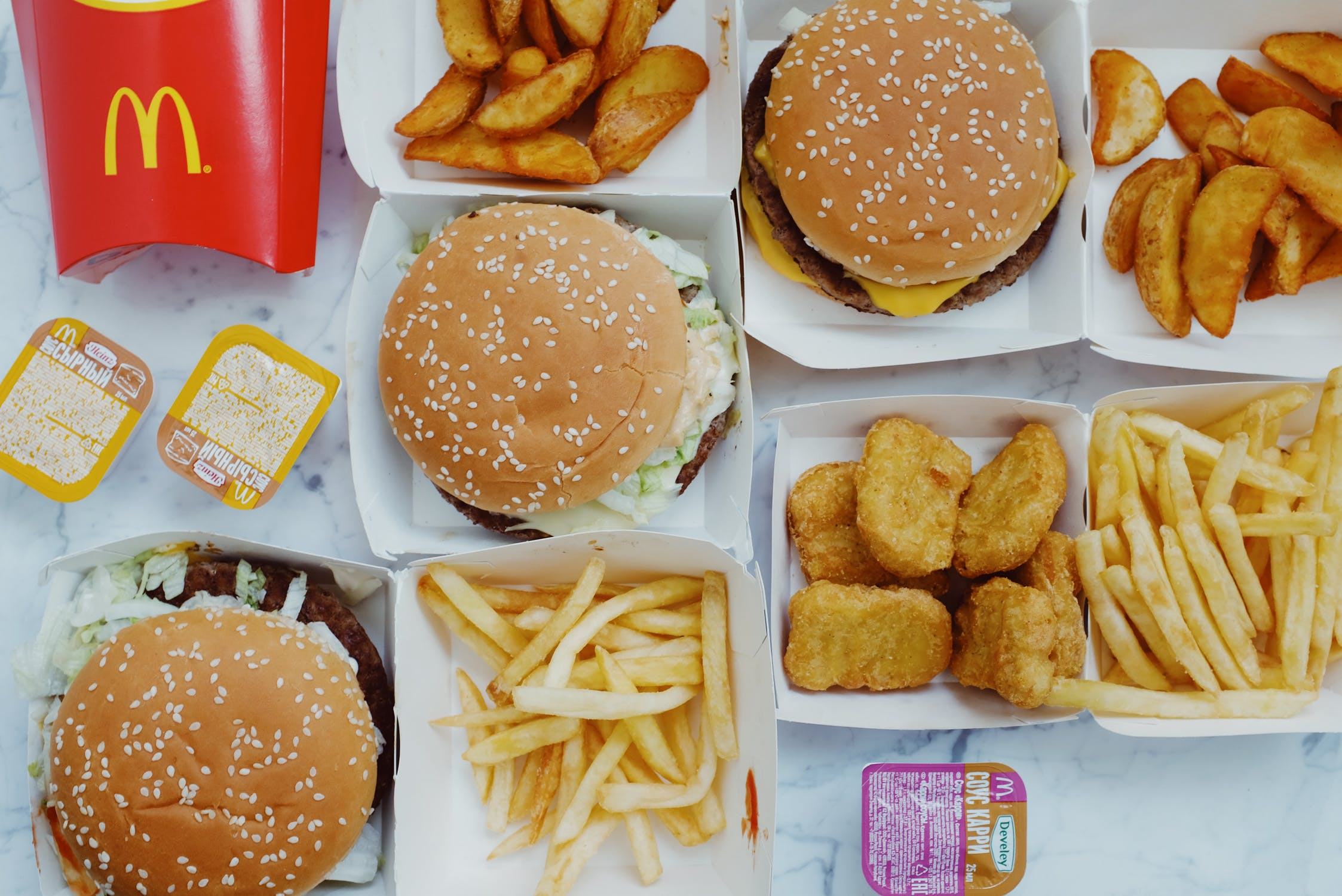 Food and Insomnia: How Overeating Affects Sleep