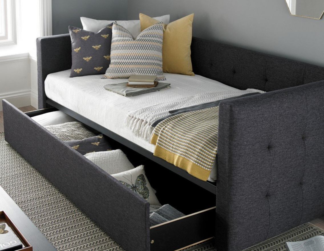 Day Beds vs Sofa Beds: Choosing the Right One for Your Spare Room
