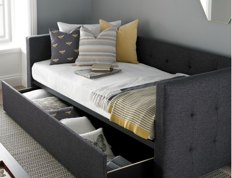 Keep Your Guests Comfortable This Christmas With Temporary Beds